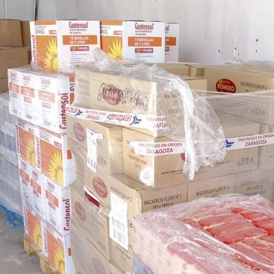 Sesenta y cuatro familias se benefician de la ayuda del Centro de Alimentos municipal
