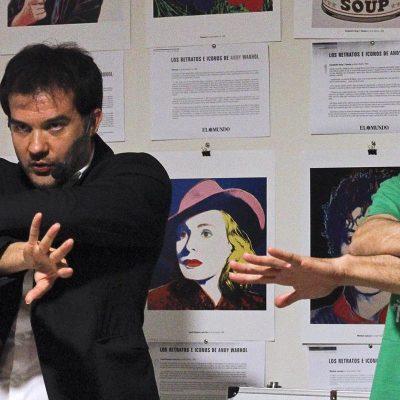Magia y monólogos en el Centro Solidario