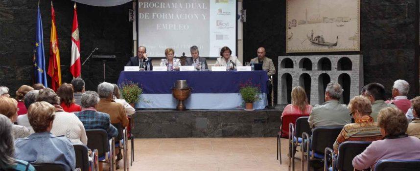 """Femur clausura en Hontalbilla el curso dual de formación y empleo 'Plantación y uso de las plantas aromáticas"""""""