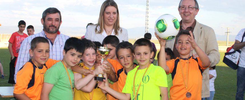 Cuarenta y nueve equipos y 634 participantes se dieron cita en el XVII Campeonato de Fútbol 7 de Carbonero el Mayor