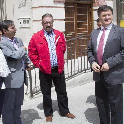 Frumales rehabilitará las antiguas escuelas como edificio multiusos