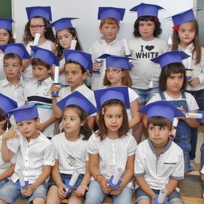 Los colegios cierran el curso con fiestas, graduaciones y macarronadas