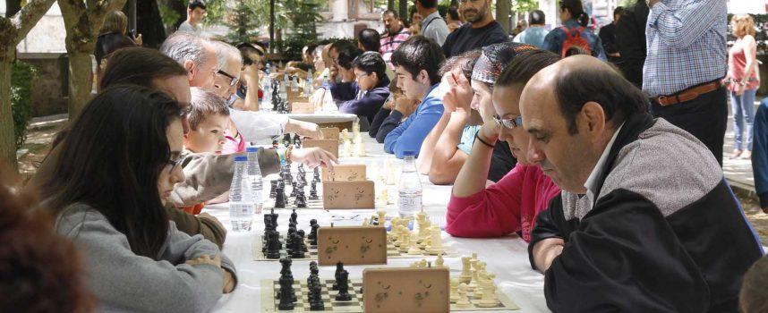 """Setenta y un jugadores participaron en el II Torneo de Ajedrez """"Villa de Cuéllar"""""""