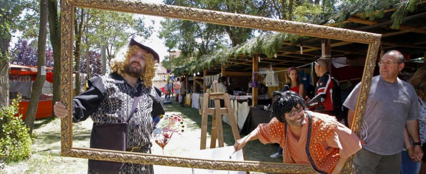 La artesanía y el ambiente medieval se fundieron en Sanchonuño con el rock y las tapas