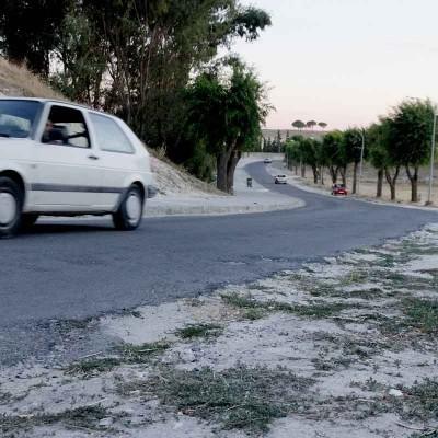 El municipio adjudica a Mariano Rico la acera del camino del Alamillo