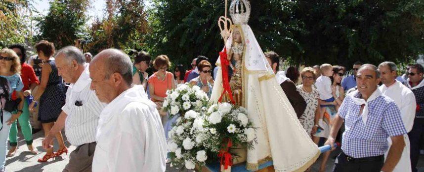 El barrio de El Salvador agasajó a la virgen de La Palma