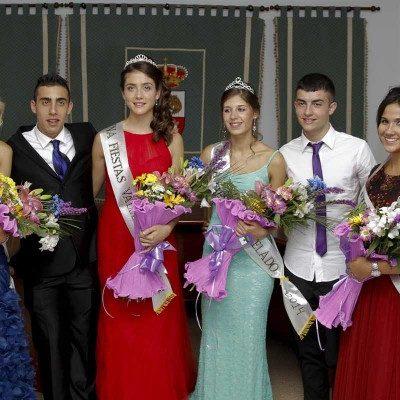 El desfile de Peñas con las Reinas y Reyes abrió las fiestas de Vallelado