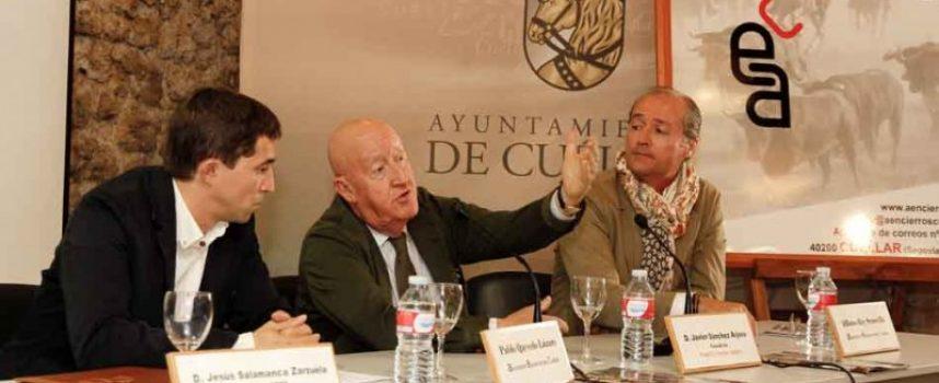 """Javier Sánchez Arjona recoge su premio a la """"Mejor Ganadería de los Encierros"""""""