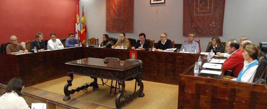 La ampliación de los contratos del Ayuntamiento con Aquona sin licitación previa enfrenta a Gobierno y oposición