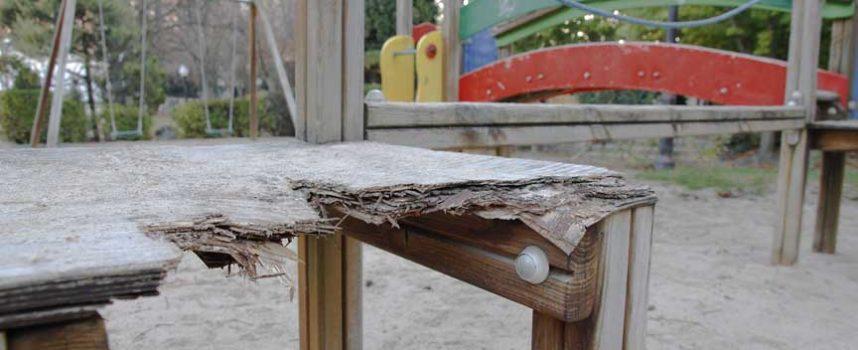 El Ayuntamiento destinará 22.800 euros en el presupuesto de 2015 a la reparación y renovación de 12 parques infantiles