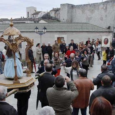 El Niño de la Bola abrirá en Año Nuevo las procesiones de 2015 en la comarca