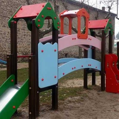La reparación de columpios en los parques de la villa ya es apreciable en Santa Clara