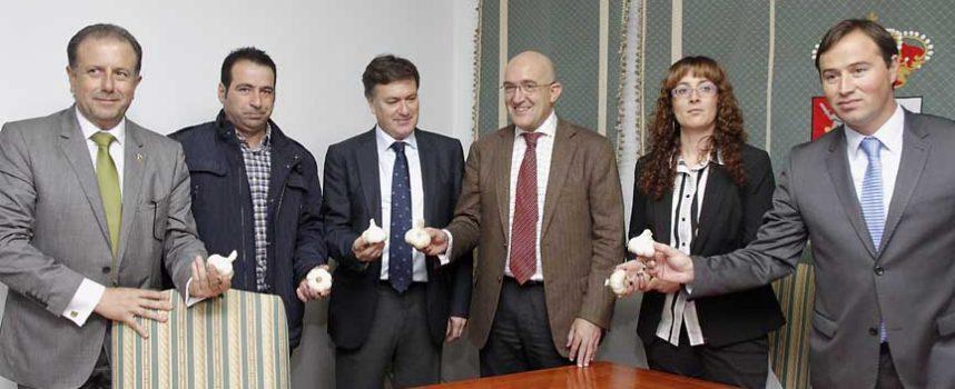 La Asociación para la promoción del Ajo de Vallelado se integra en Alimentos de Segovia