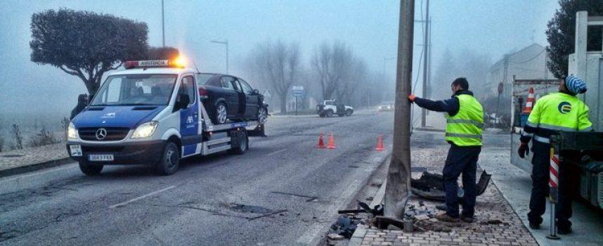 Una mujer herida leve tras perder el control de su vehículo en la carretera de Valladolid