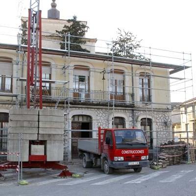 La Junta concede una subvención directa de 13.000 euros para las obras del Ayuntamiento de Olombrada
