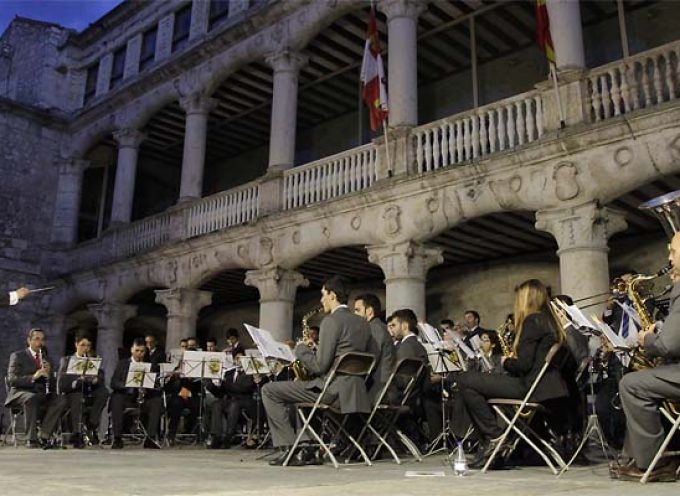 Las sinfonías de la Banda Municipal de Música resonarán el domingo en el Castillo de Cuéllar