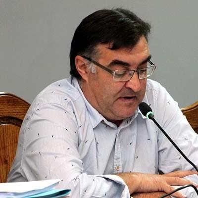 """El concejal de Festejos aseguró en el pleno haber visitado las ganaderías """"necesarias"""" para encontrar los toros y novillos seleccionados"""