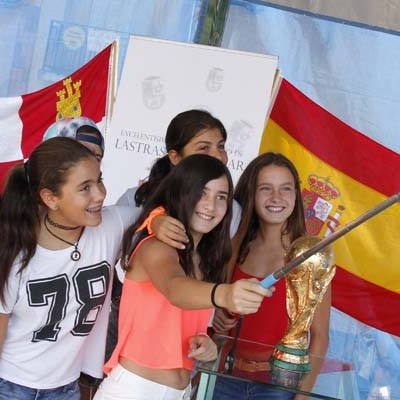 La Presencia de la Copa del Mundo y la Eurocopa abre la Semana Cultural de Lastras de Cuéllar