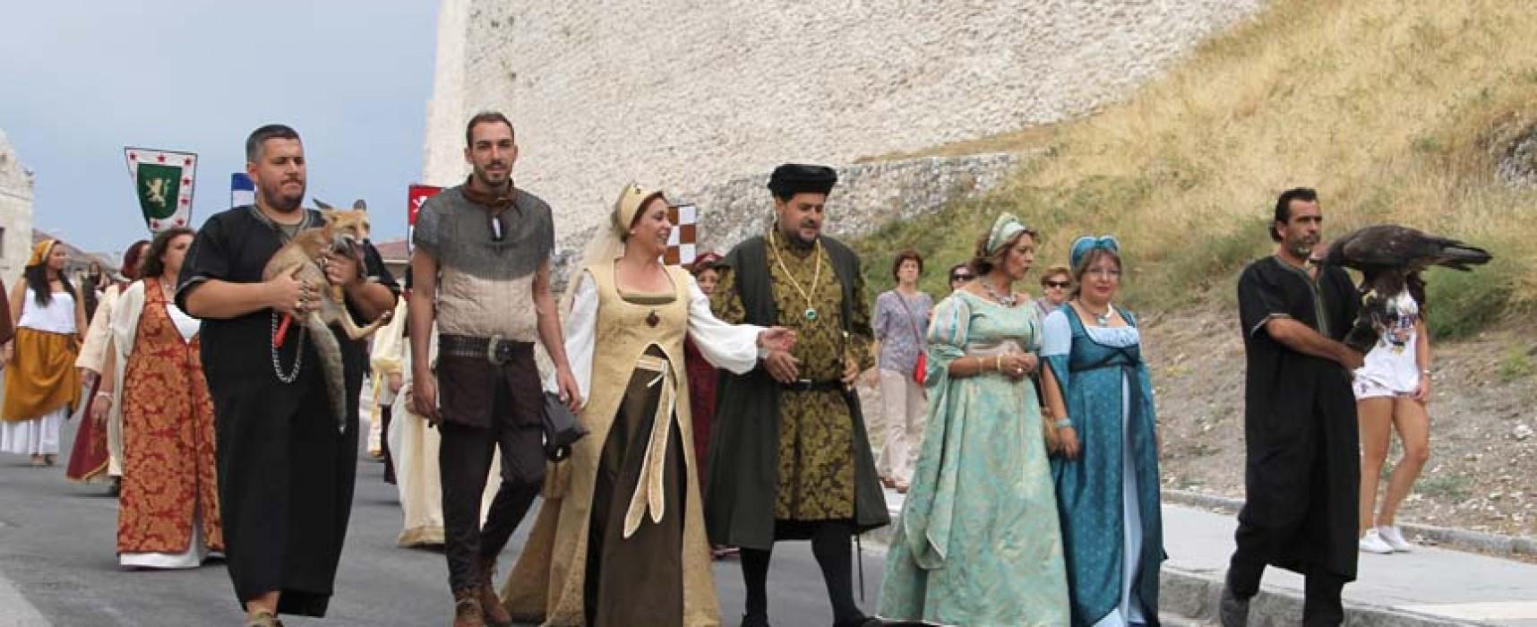 Mercaderes, artesanos, caballeros y damas toman desde hoy la Huerta del Duque en la XX Cuéllar Mudéjar