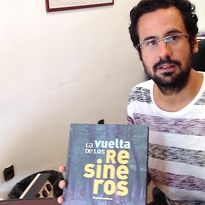 """Diego Gómez recoge 150 fotografías y testimonios de resineros en su libro """"La vuelta de los Resineros"""""""