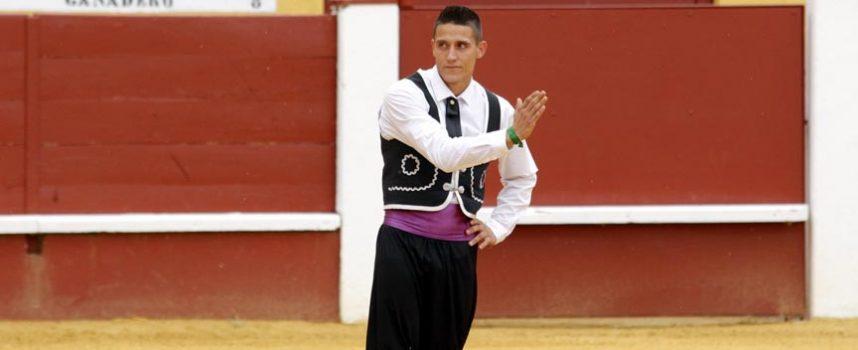 El cuellarano Héctor Cabano mejor recortador de las probadillas de 2015