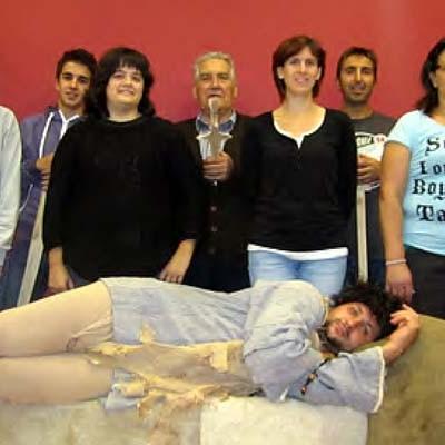El grupo Los Eriales de Gomezserracín representará en el Juan Bravo el clásico de Muñoz Seca, 'La venganza de Don Mendo'.
