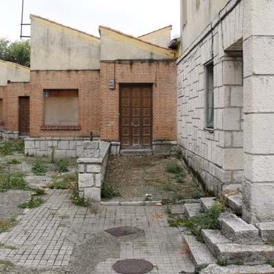 Un cambio en la cimentación motiva el retraso en el inicio de la obra del gimnasio del colegio La Villa