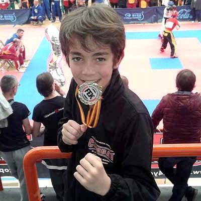 El cuellarano Alain González vence en el Campeonato de España de Kick Boxing en la modalidad de Light Contact