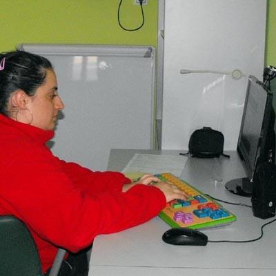 """Rebeca Suárez de Fundación Personas Cuéllar participará en la primera edición nacional del curso """"Navegar en internet de forma segura"""""""