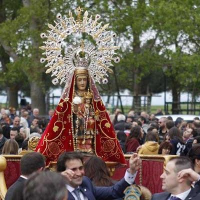 Carbonero el Mayor veneró a su virgen de El Bustar