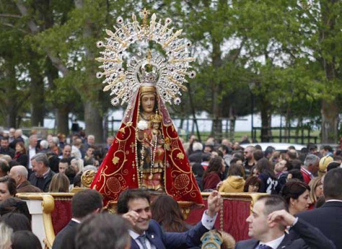 Carbonero celebra el día grande de sus fiestas en honor a Nuestra Señora del Bustar