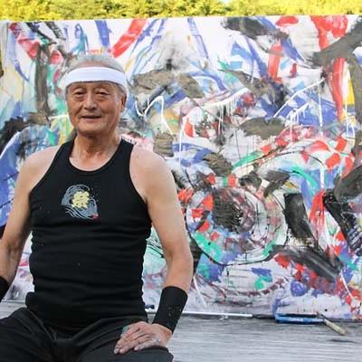 El artista japonés Kazunobu Yanagi sorprendió con su pintura en vivo
