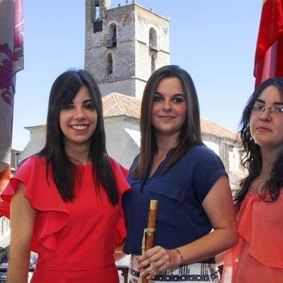 Mayte Mateo, Miriam Benito y Marta Muñoz, Corregidora y damas de las fiestas de Cuéllar