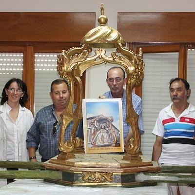 La Cofradía del Niño de La Bola restaura las andas con las que la imagen procesiona