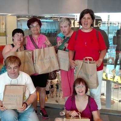 Los usuarios de Fundación Personas Cuéllar disfrutan del verano