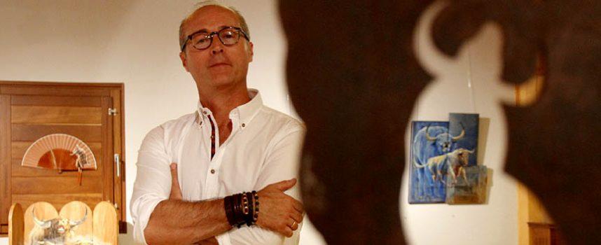 El cuellarano Alfonso Rey expone sus obras en el marco de las XX Jornadas Taurinas de Arévalo