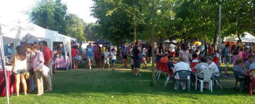 Fuenterrebollo celebró con éxito su Feria de Artesanía y Alimentación