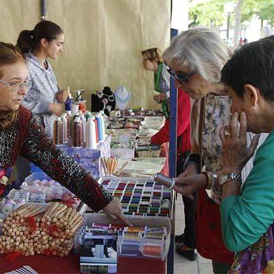 La Feria `Entre costuras y tradición´ congrega hoy a más de 200 costureras en Cuéllar