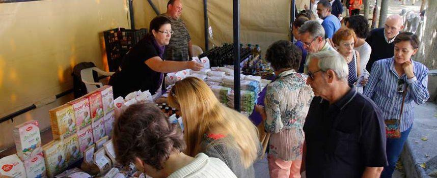 Los productos ecológicos atrajeron la atención de los vecinos al VI Mercado de la villa