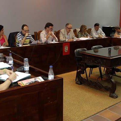 Los votos del Equipo de Gobierno abren el proceso para la contratación de la gestión del suministro de agua