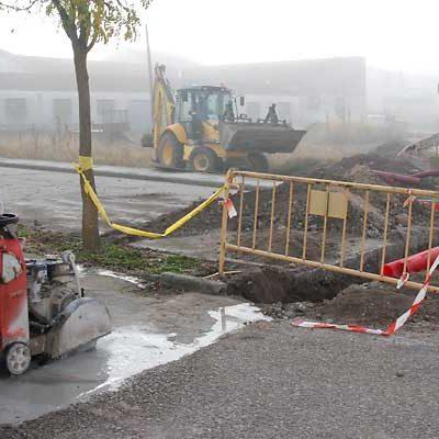 Comienzan las obras de la acera de la carretera de El Henar
