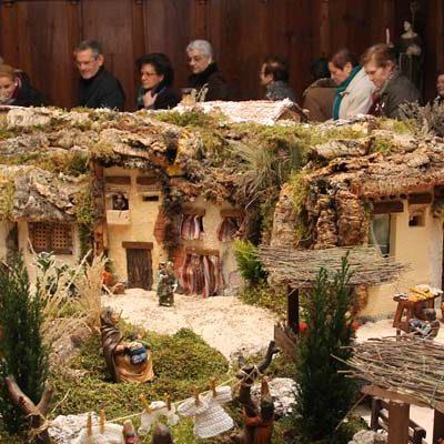 El encendido de la iluminación navideña y la ruta de belenes abren la programación de Navidad en Cuéllar