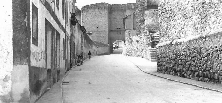 A la izquierda el Teatro-Cine Alfonsa desde la Calle del Estudio.
