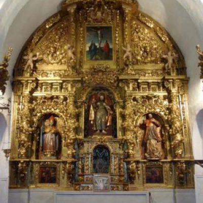 Restaurado el altar mayor de la iglesia de Santiago de Navas de Oro