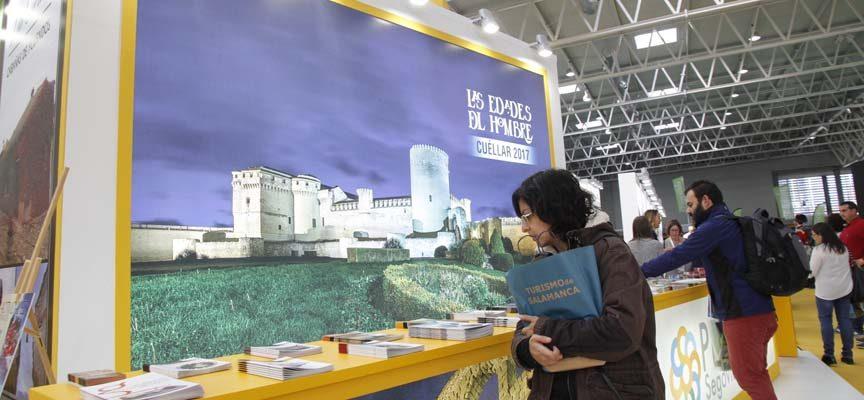 La Tarjeta de `Las Edades´ permitirá ahorrar entre un 5 y un 25 % en los servicios turísticos de la comarca cuellarana