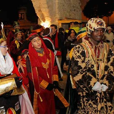 Noche de magia e ilusión con la cabalgata de las tres culturas