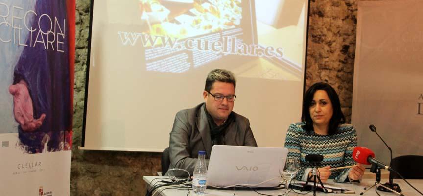 La concejal de Turismo , Nuria Fernández, y Javier Arranz durante la presentación.