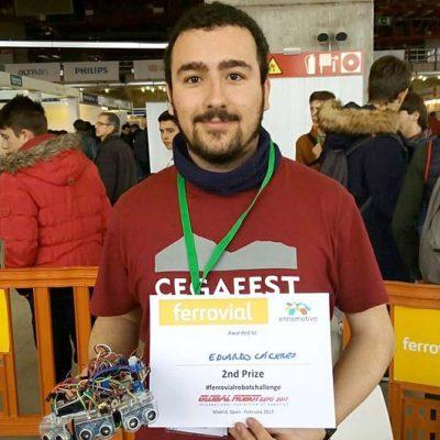 El cuellarano Eduardo Cáceres gana el segundo premio del I Reto Internacional de Robots Autónomos, Ferrovial Challenge