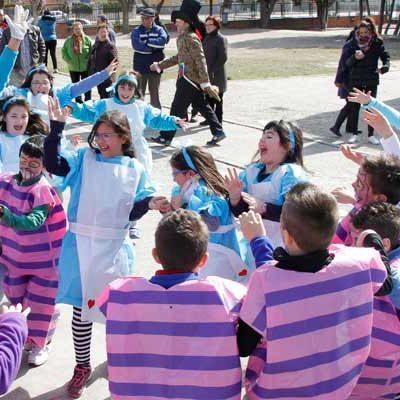 Carnaval circense, de cuento y turístico en los colegios cuellaranos