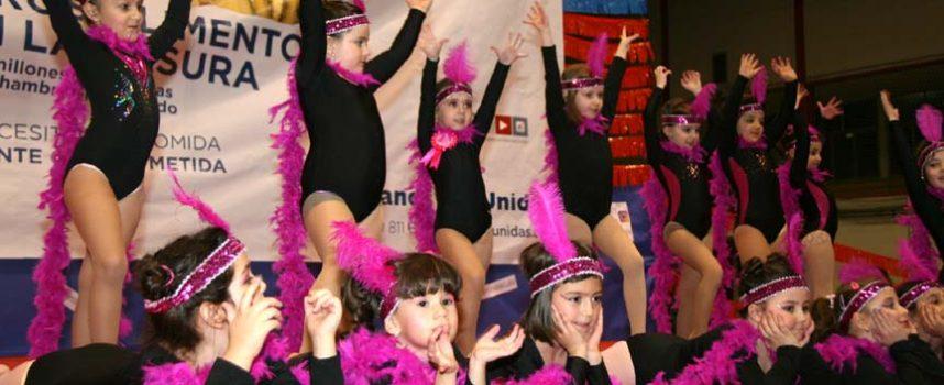 Danzas, música y baile en el Festival de Manos Unidas a beneficio de un colegio de Zimbabwe